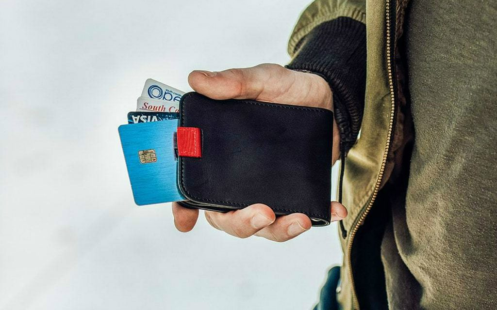 Picking An Exceptional Travel Wallets For Men While Travelling